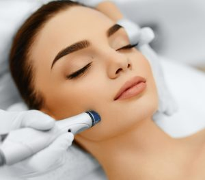 Hydrafacial With Dermaplaning Treatment in NYC